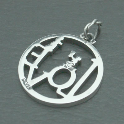 LOVE COIN PENDANT4