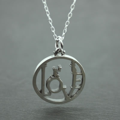 LOVE COIN PENDANT5