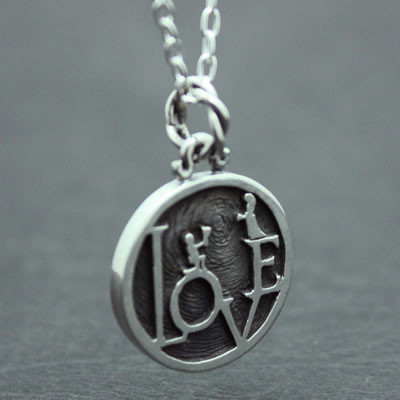 LOVE MINI COIN PENDANT6