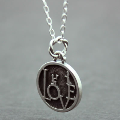 LOVE MINI COIN PENDANT7